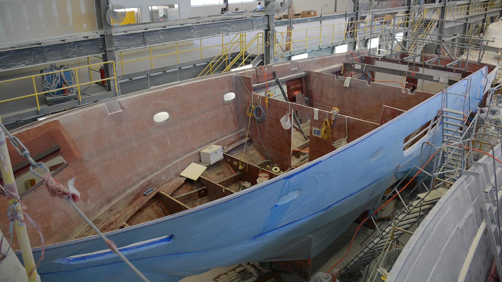 Viking 82 Motor Yacht hull