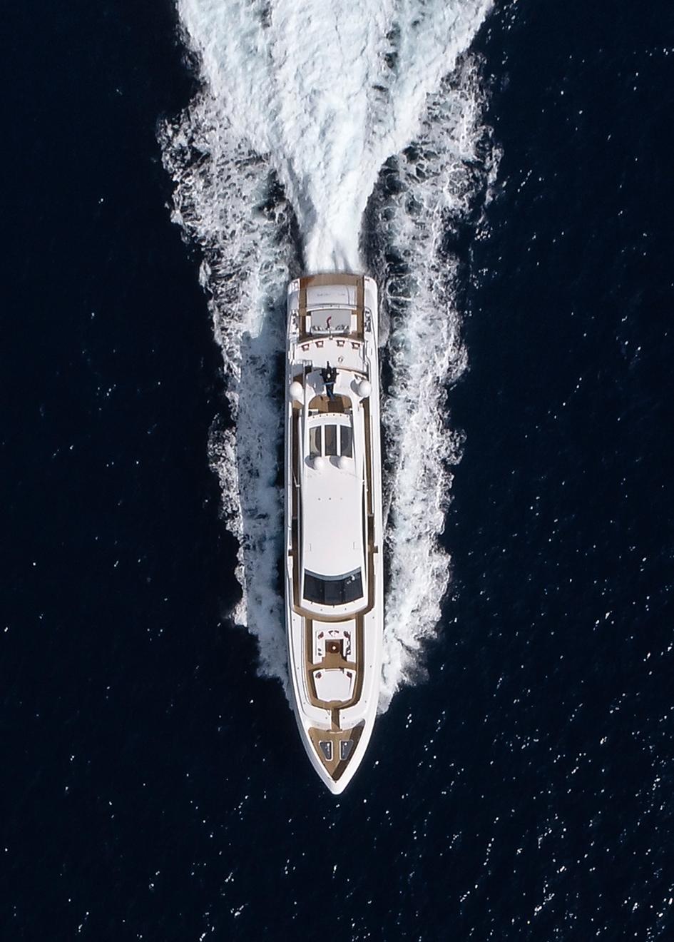 aerial-running-shot-of-the-cerri-cantieri-navali-custom-superyacht-elsea-credit-Nico-Fulciniti