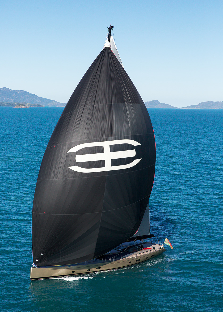 sailing-yacht-Escapade