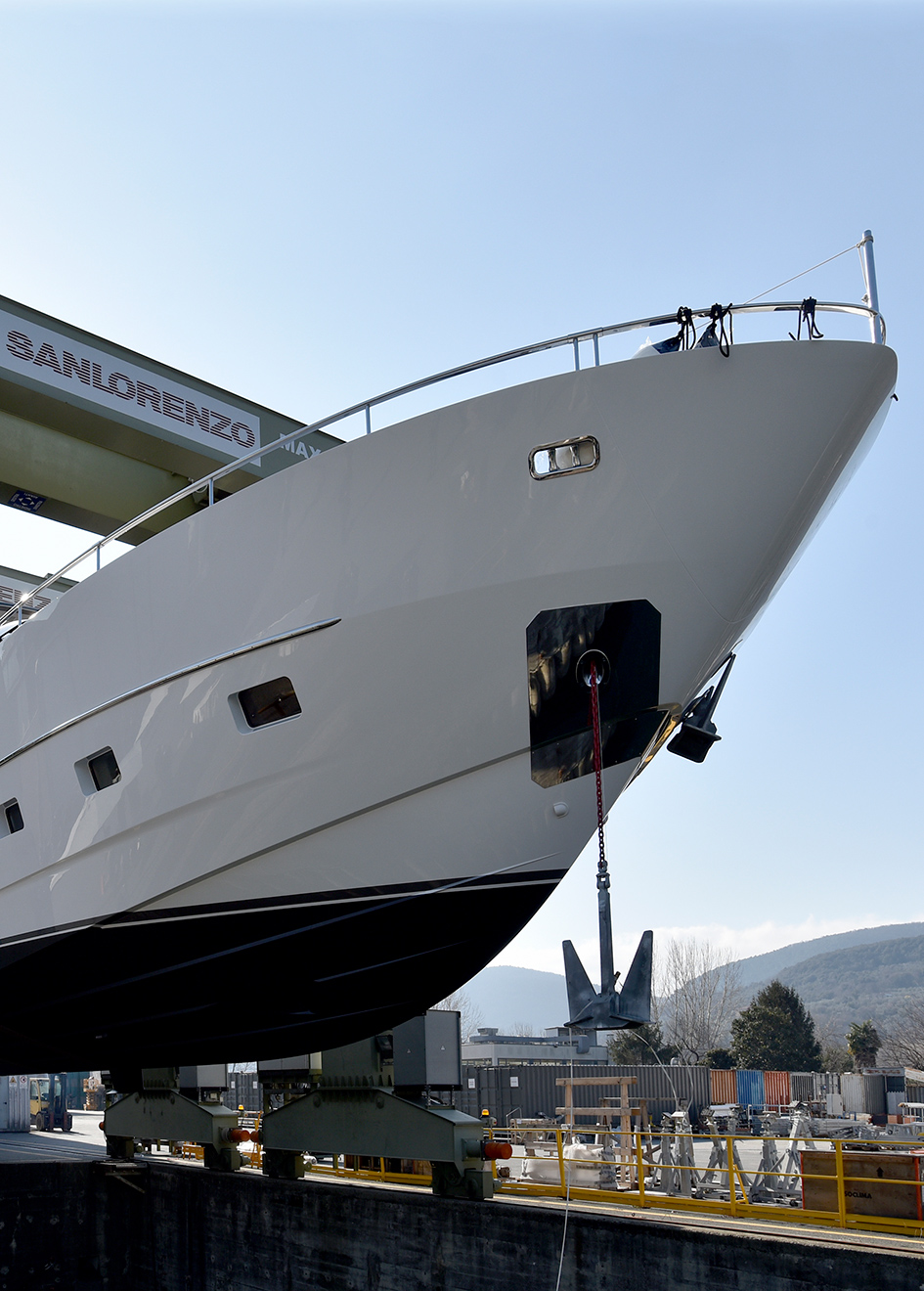 Taiji-is-part-of-the-sanlorenzo-sL86-range-of-fast-planing-yachts