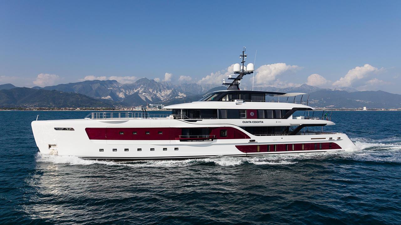 €1M price cut on Admiral motor yacht Quinta Essentia | Boat International
