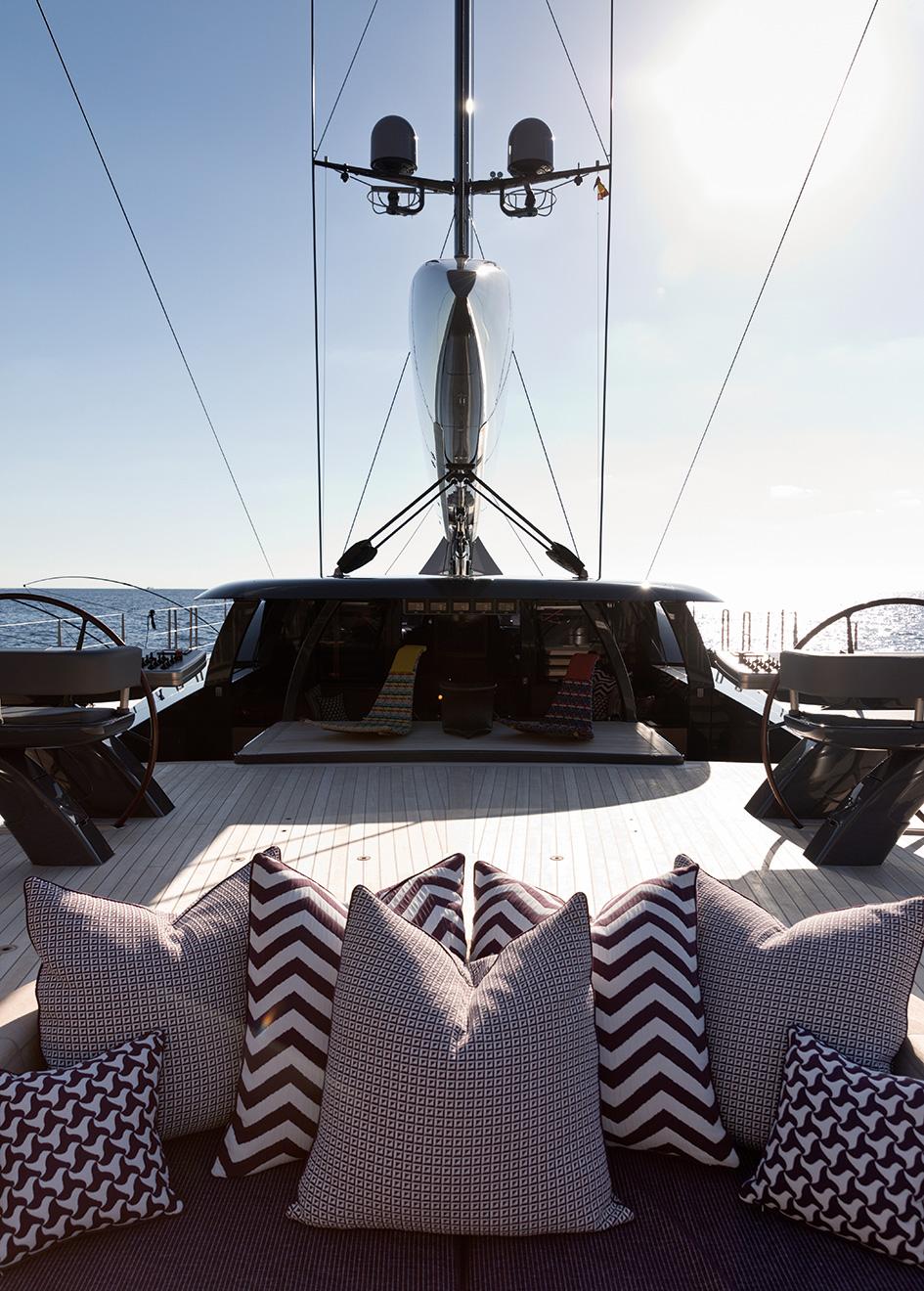 the-aft-deck-of-the-royal-huisman-sailing-yacht-ngoni-credit-jeff-brown-breed-media
