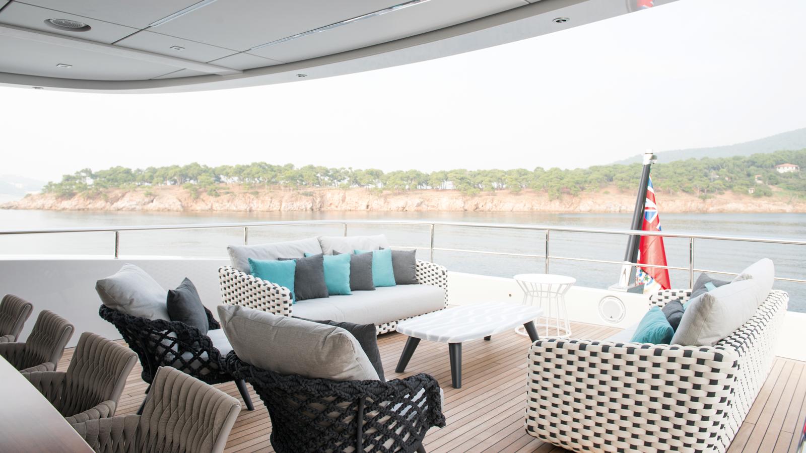 mengi-yay-superyacht-virtus-44 deck-dining
