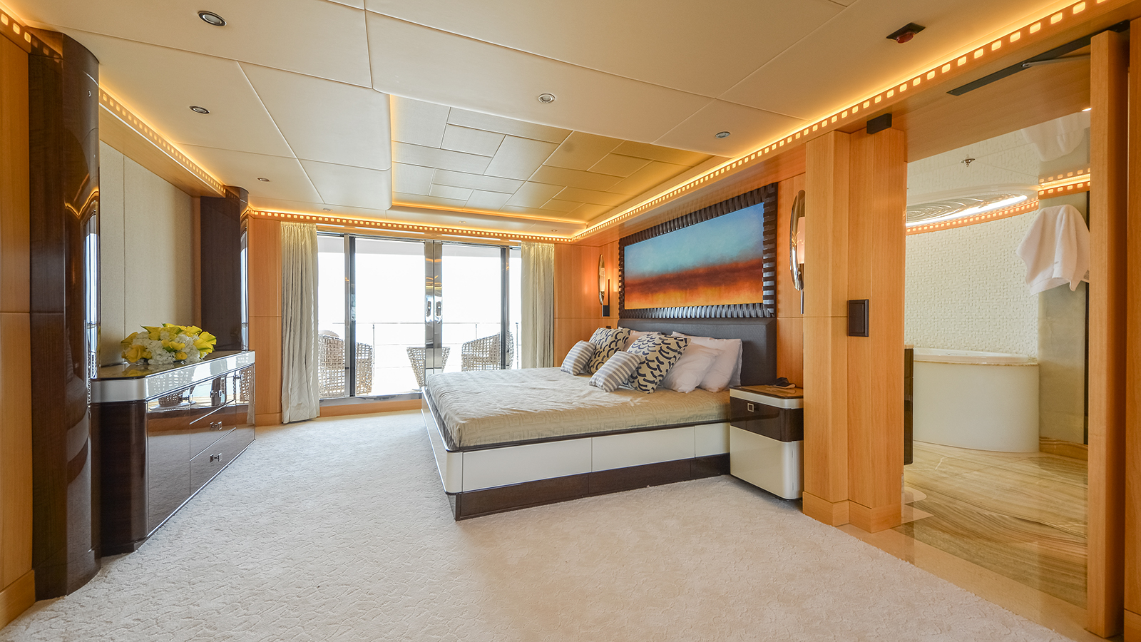 Majesty 155 owner's cabin