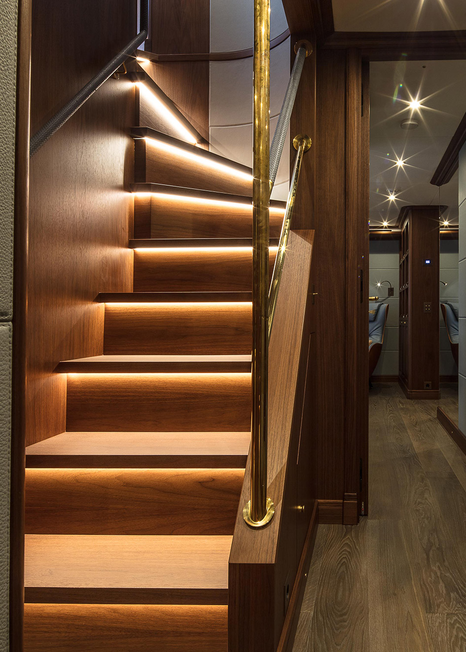 the-staircase-of-the-cantiere-delle-marche-darwin-102-yacht-galego