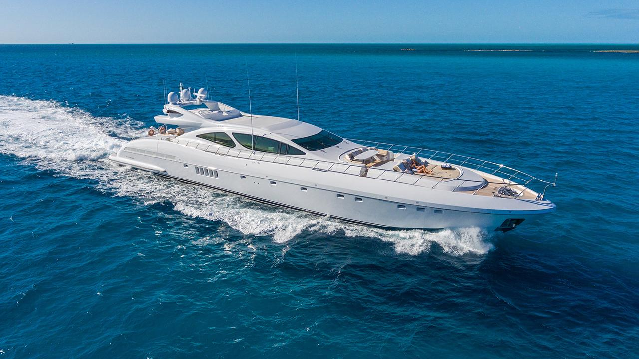 Mangusta motor yacht Incognito for sale