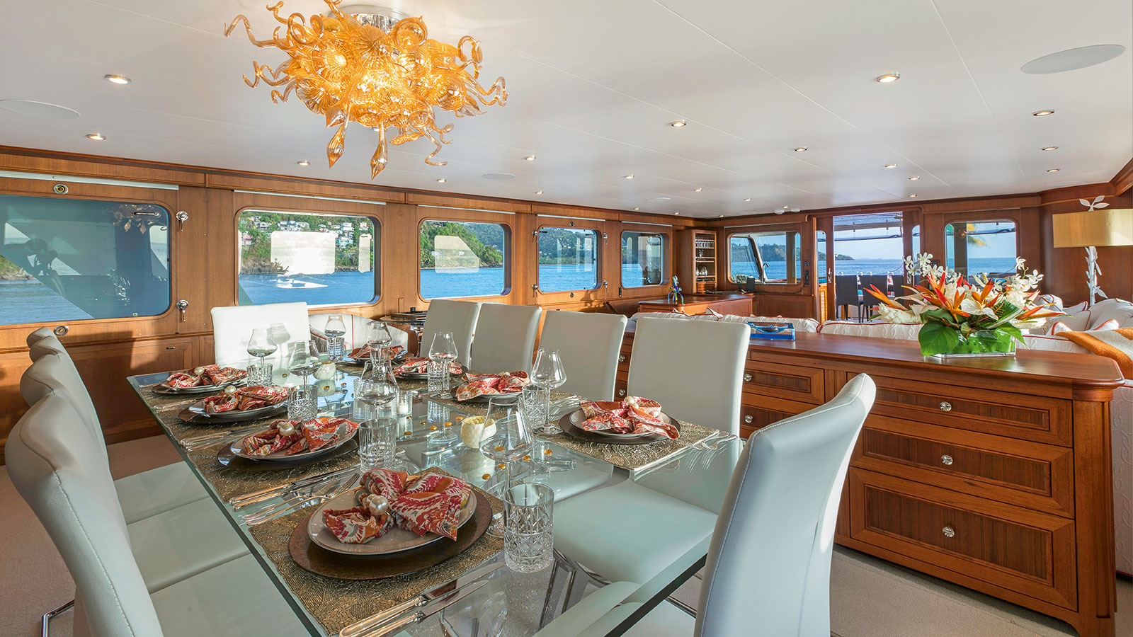 the-saloon-of-the-refitted-feadship-superyacht-berilda-credit-thierry-dehove