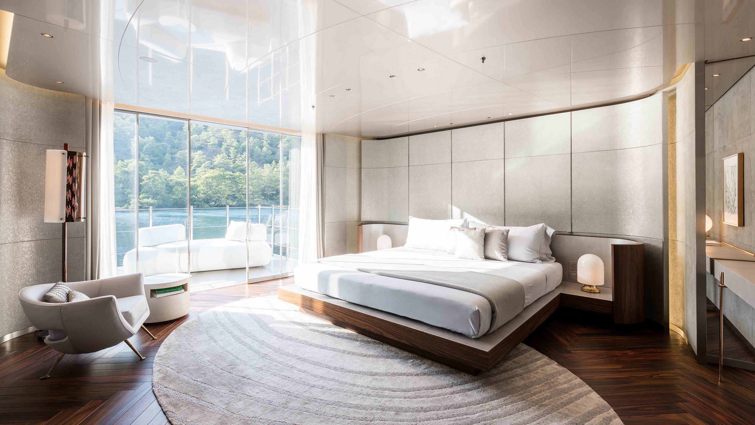one-of-the-vip-staterooms-on-feadship-super-yacht-savannah