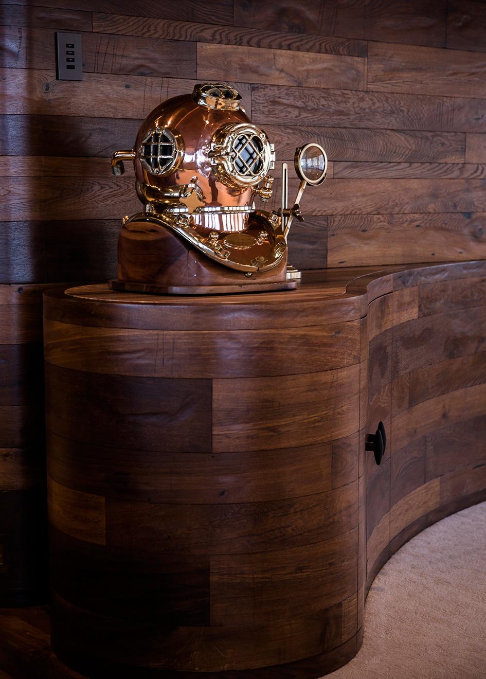 interior-detail-on-explorer-yacht-luna-by-lloyd-werft