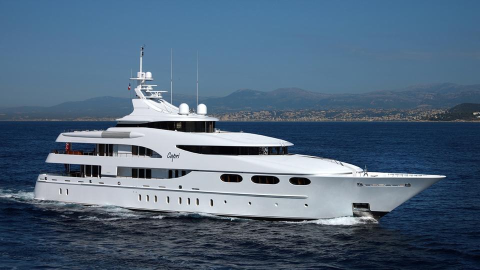 VSjiRKyxRjKUSbf0PTzq_capri-yacht-for-sal