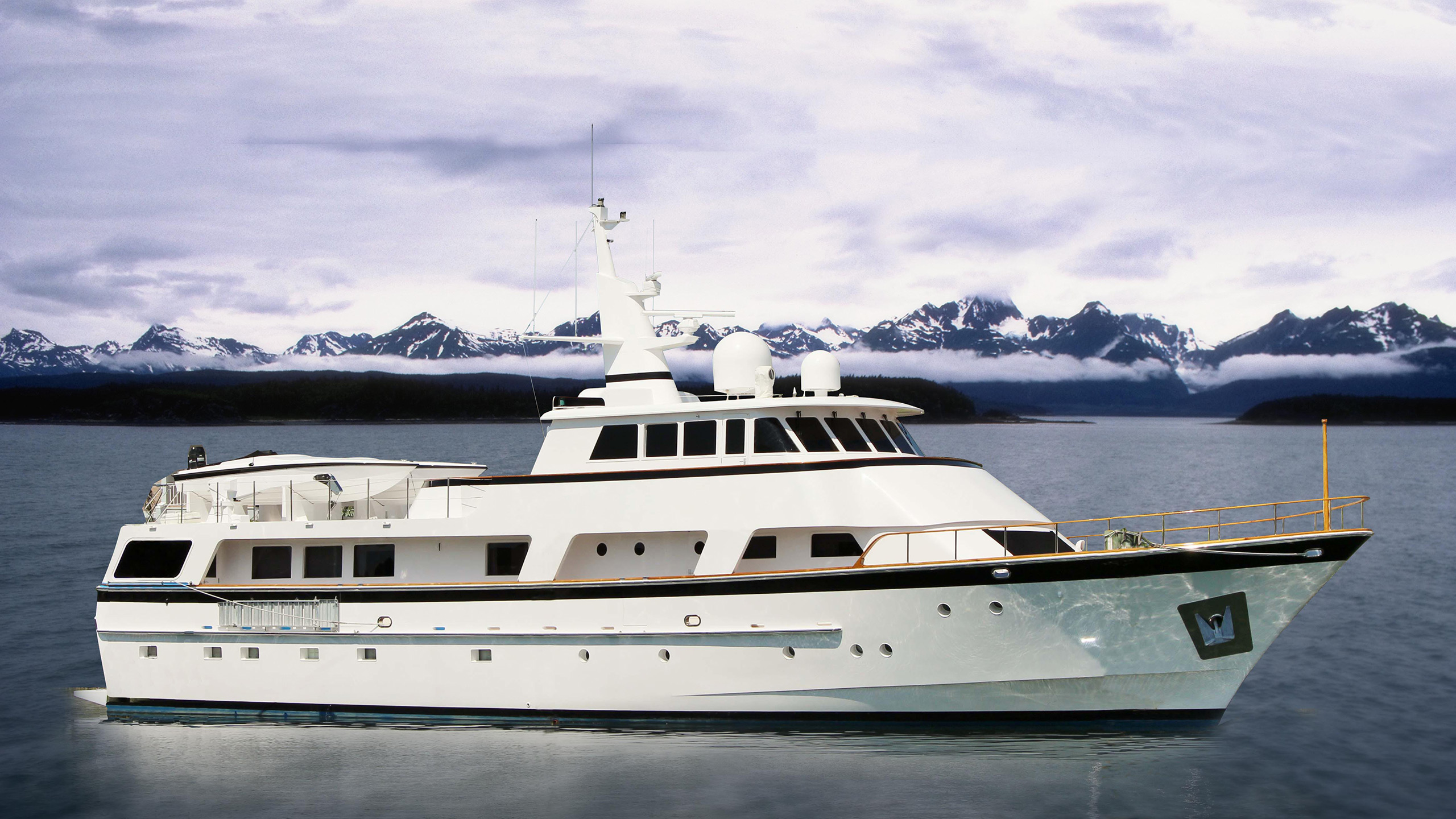 cheoy-lee-motor-yacht-ivory-lady-sold