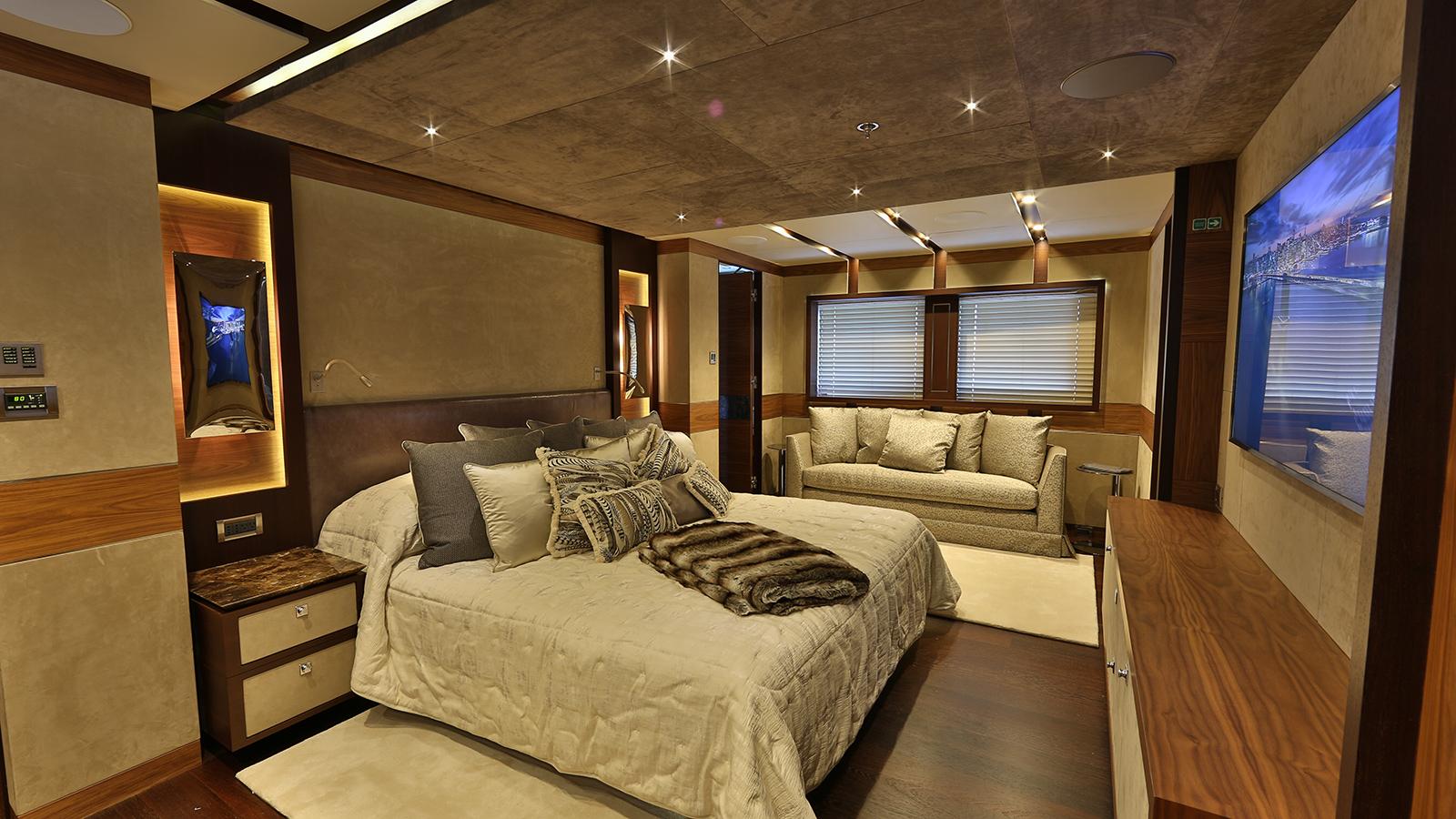 the-main-deck-master-cabin-on-the-bilgin-superyacht-giaola-lu