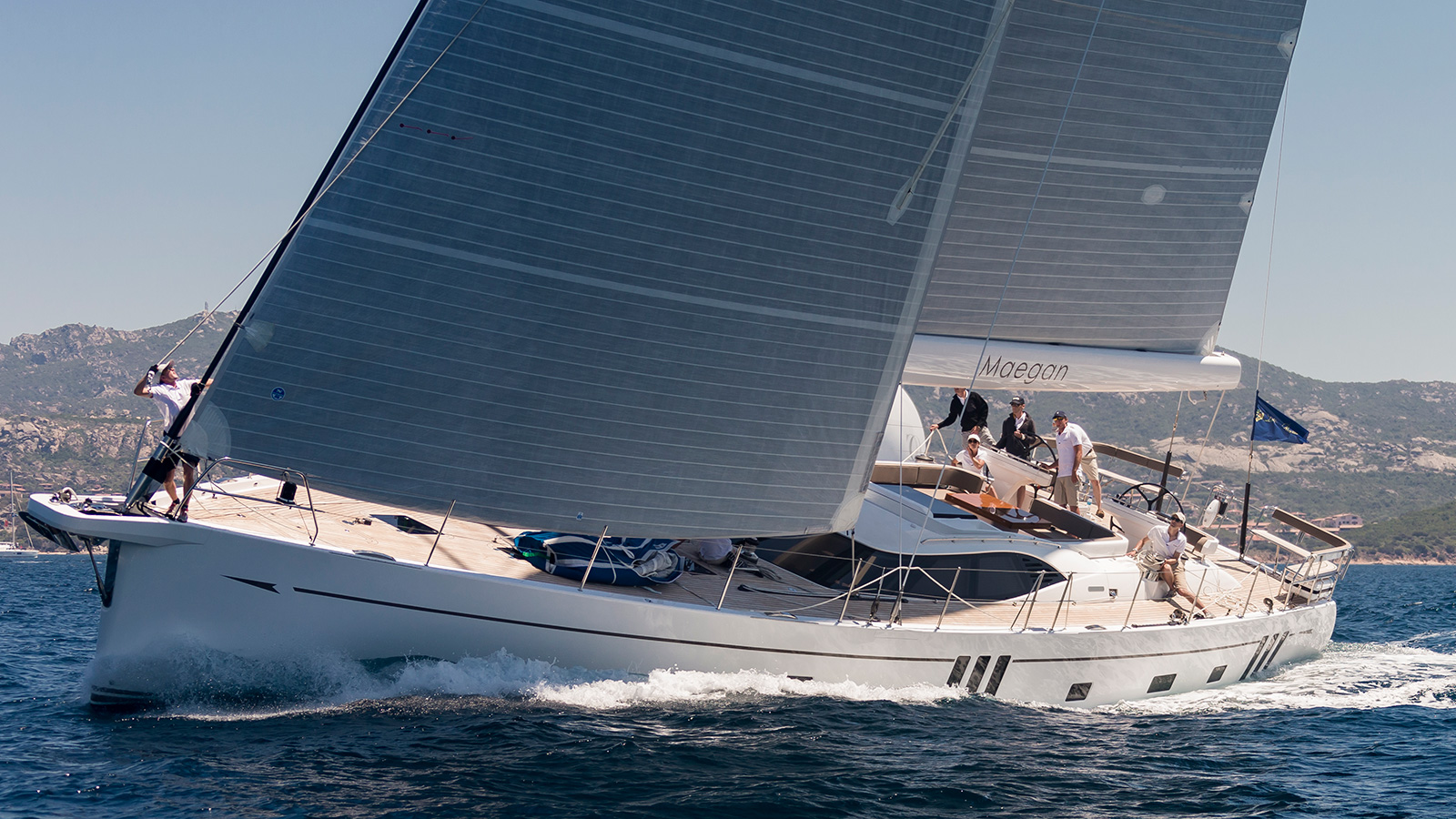 the-oyster-825-sailing-super-yacht-maegan-underway