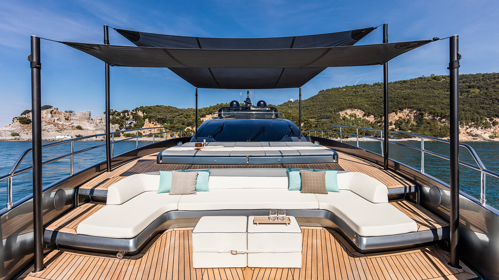 the-foredeck-of-the-riva-100-corsaro-yacht-wild-one-credit-alberto-cocchi