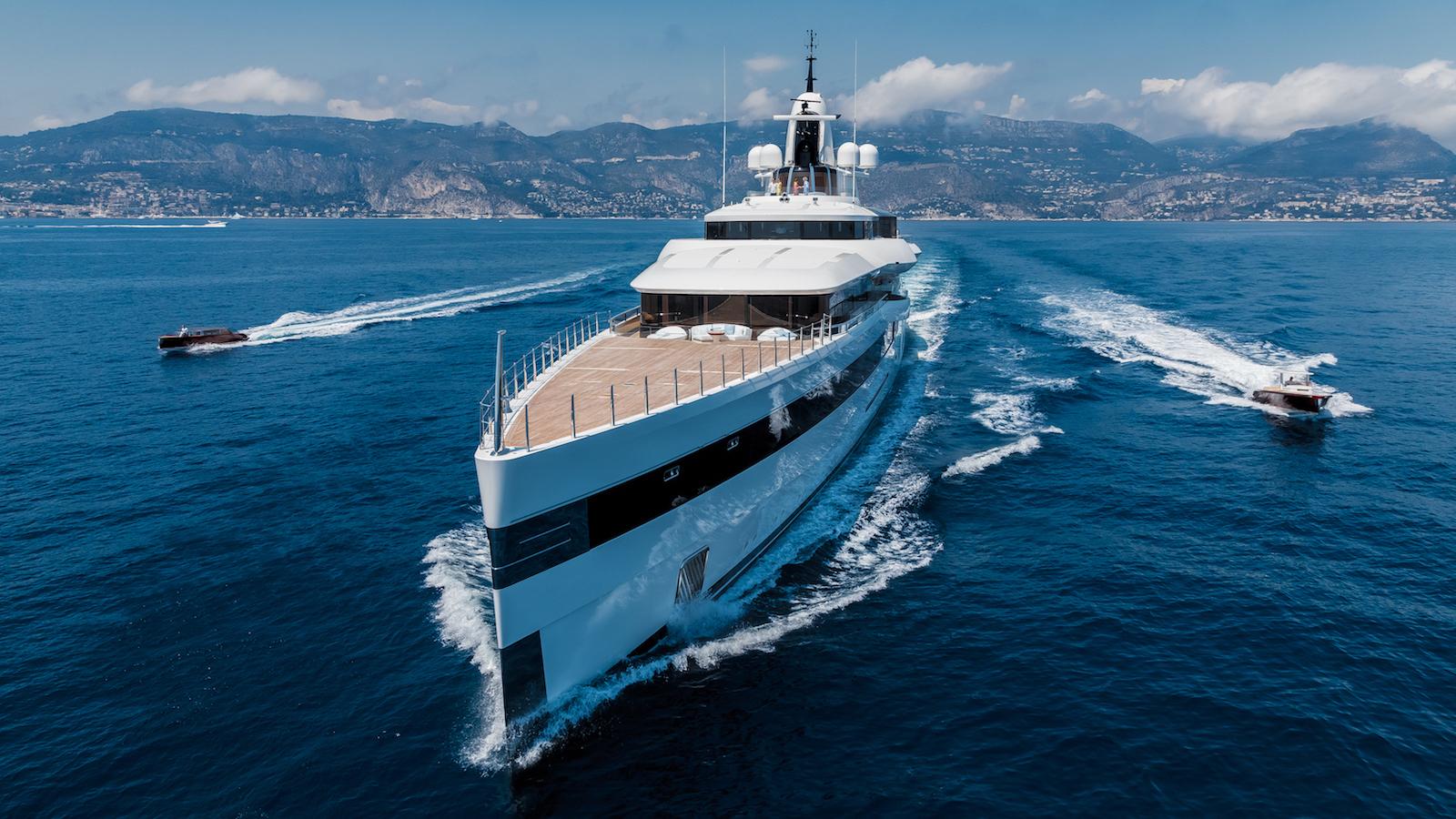 world-superyacht-awards-2020-winner-lady-s