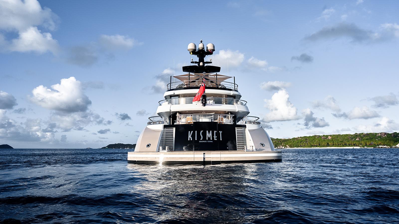 kismet-yacht-aft-view