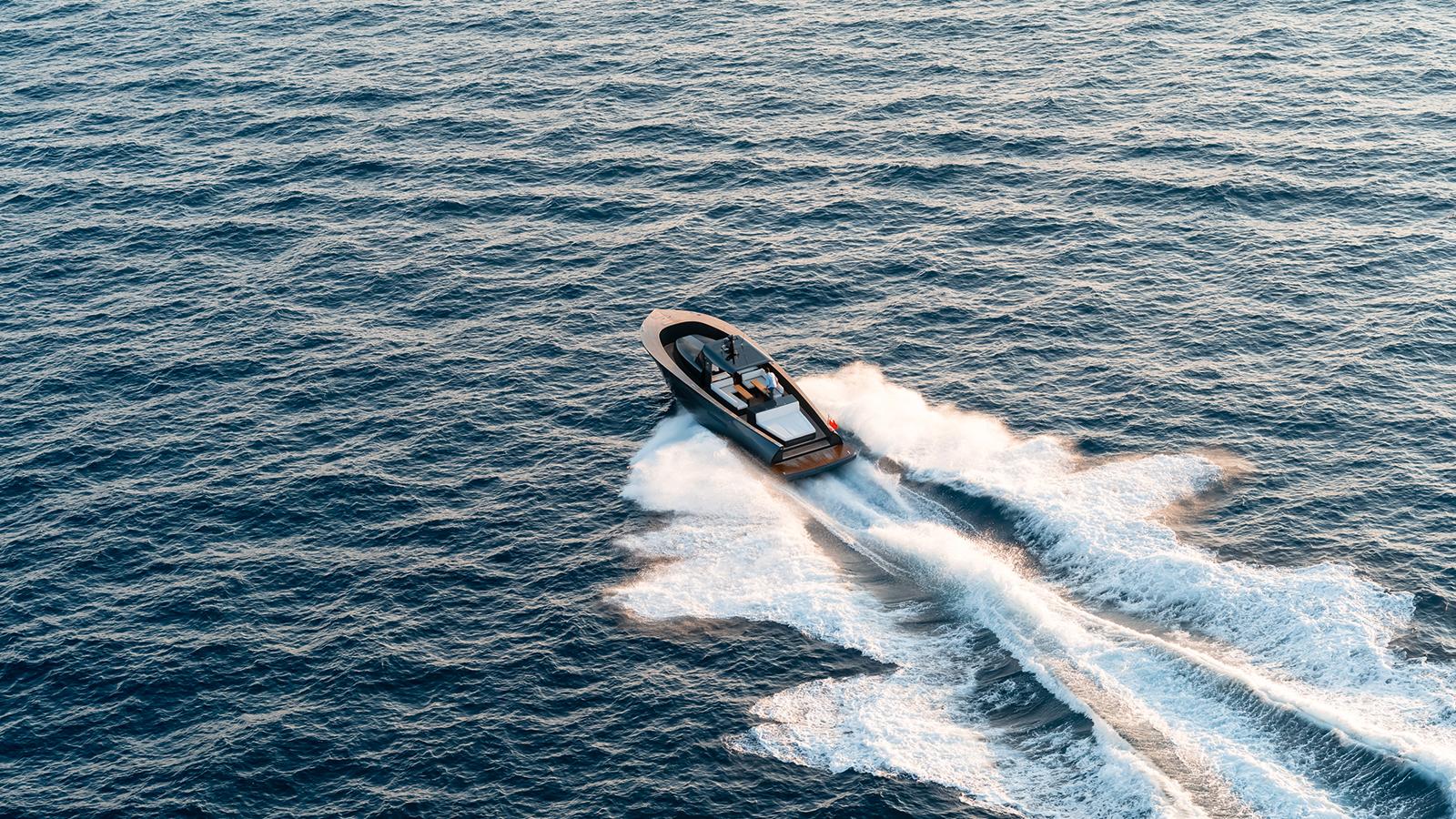 Alen 55 Yacht Running
