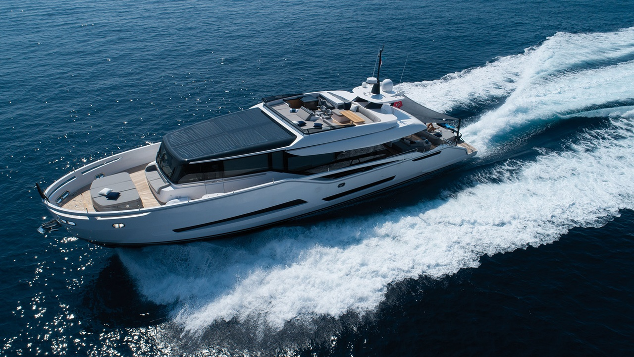 Palumbo Releases New Images of Extra 86 Fast | Boat