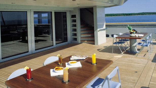 Skat Luxury Superyacht Aft Dining