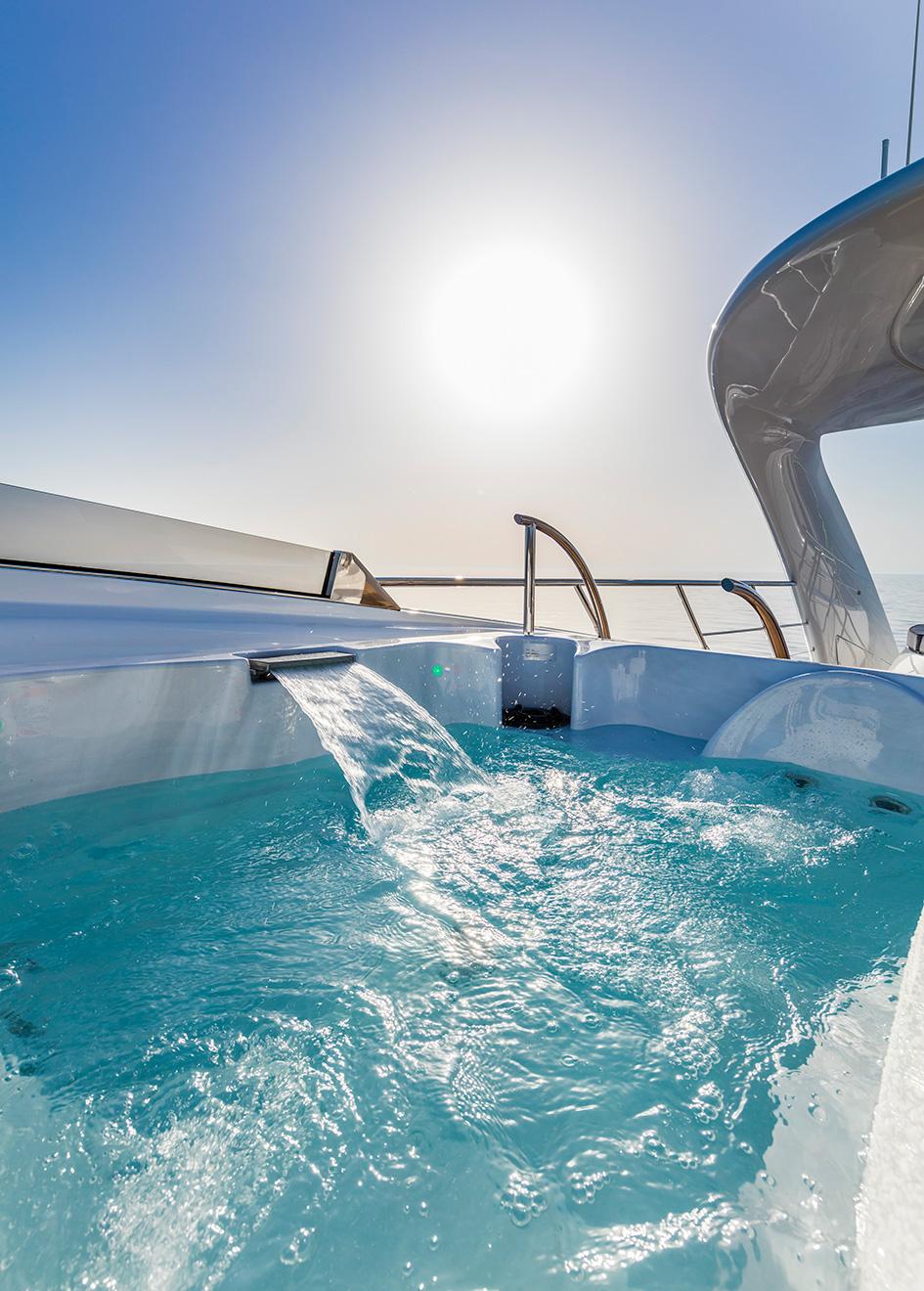 the-spa-pool-of-the-isa-120-yacht-clorinda