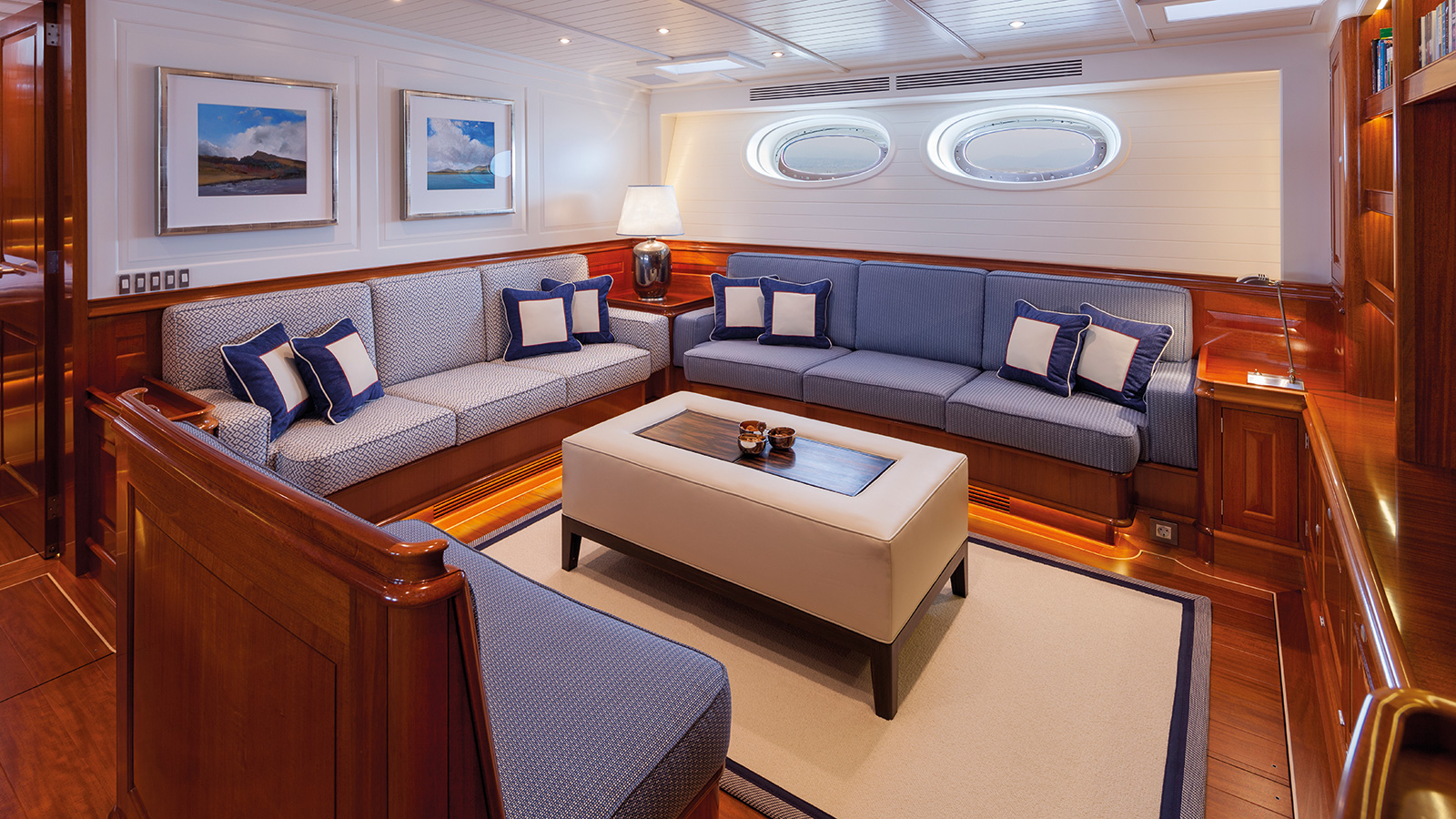 Atalante Saloon Yacht