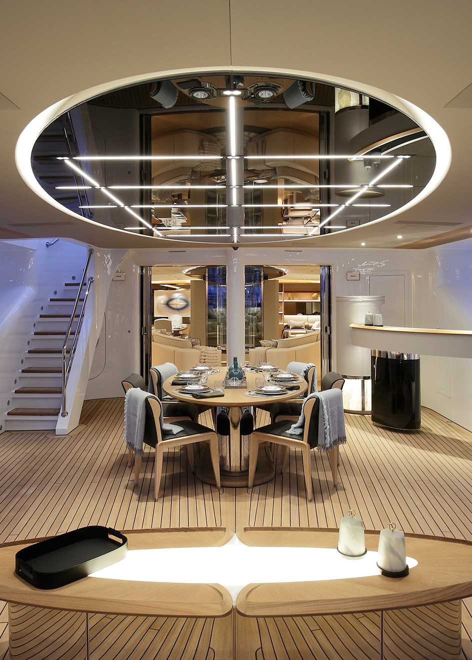 the-cockpit-of-the-perini-navi-sailing-yacht-seven
