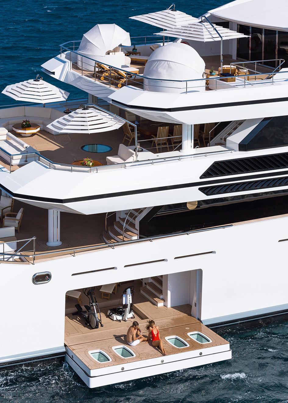 Irimari: an impressive six-deck vessel