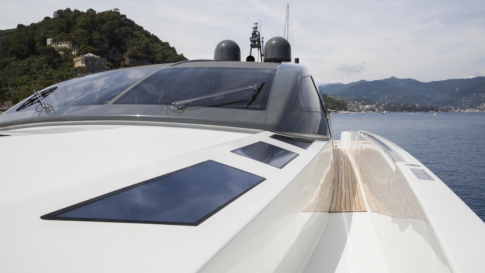 the-foredeck-of-the-otam-millennium-80ht-yacht-mystere