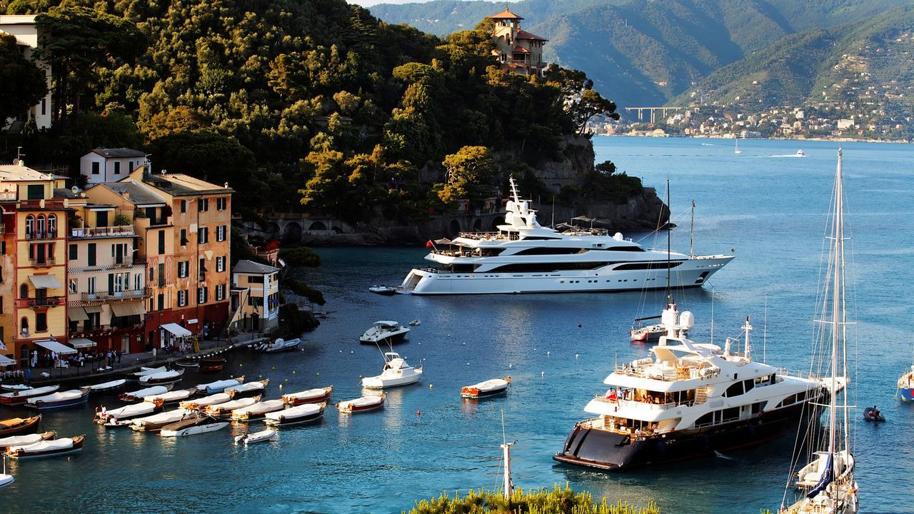 Luxury yachts explained