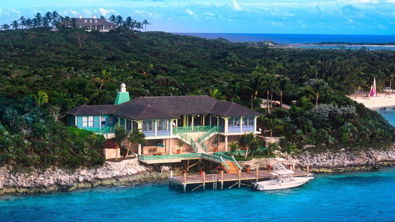 Travel essentials: Chloe Gosselin packs for the Bahamas