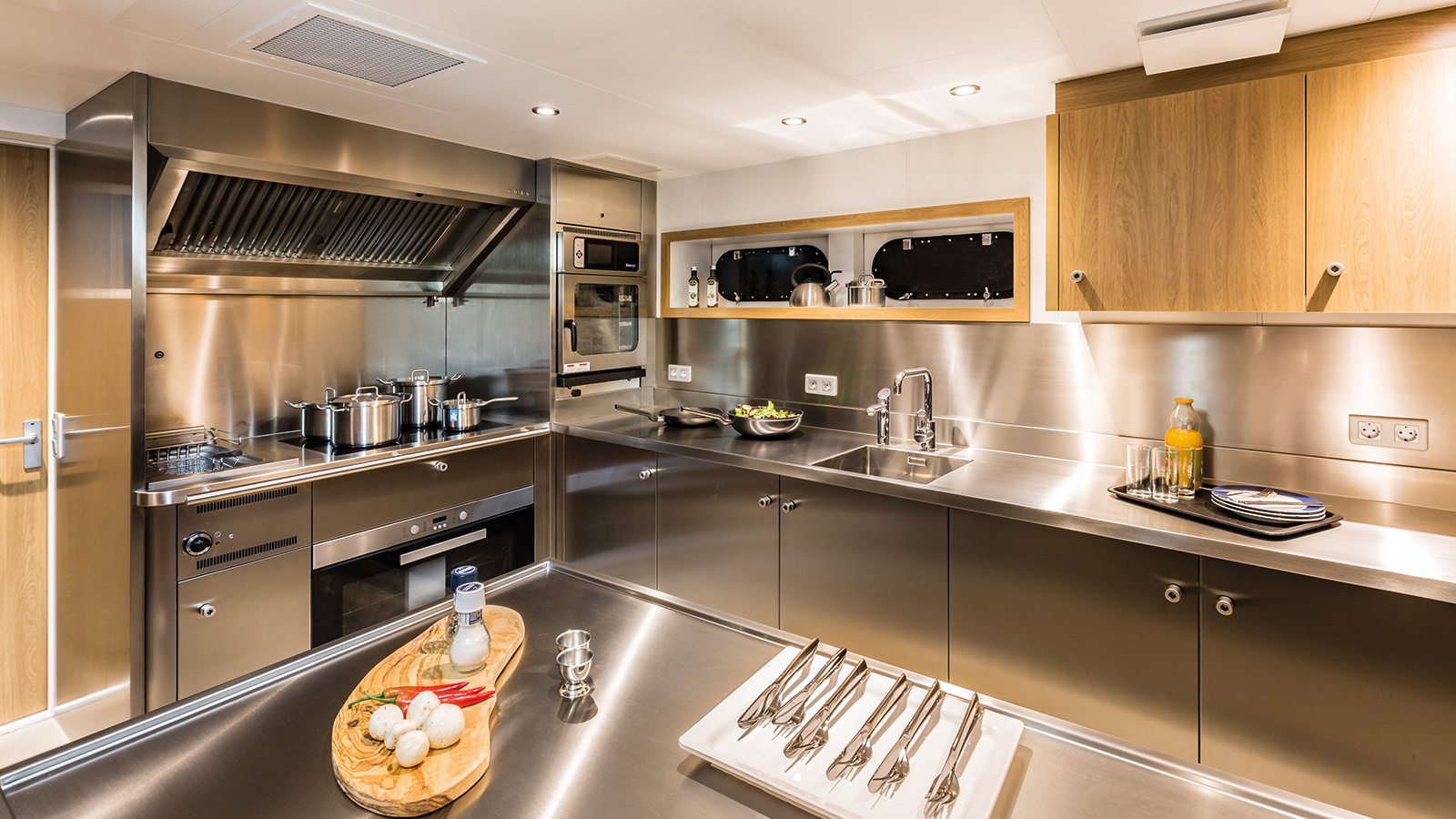 the-galley-of-the-damen-superyacht-support-vessel-game-changer