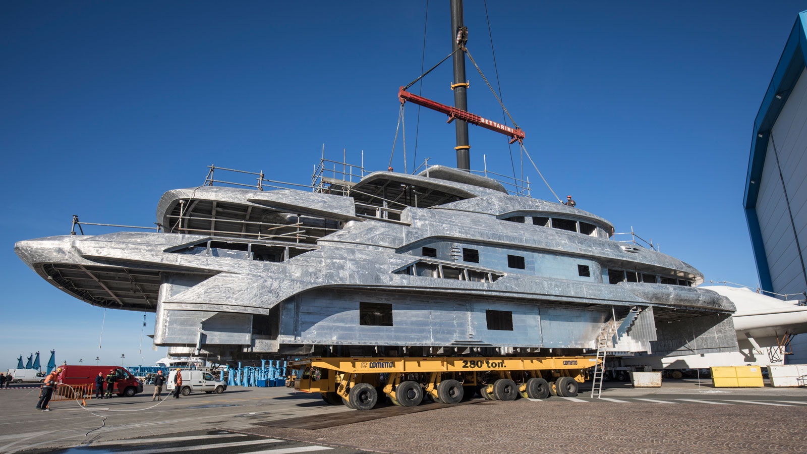 hull-superstructure-joined-benetti-fb274