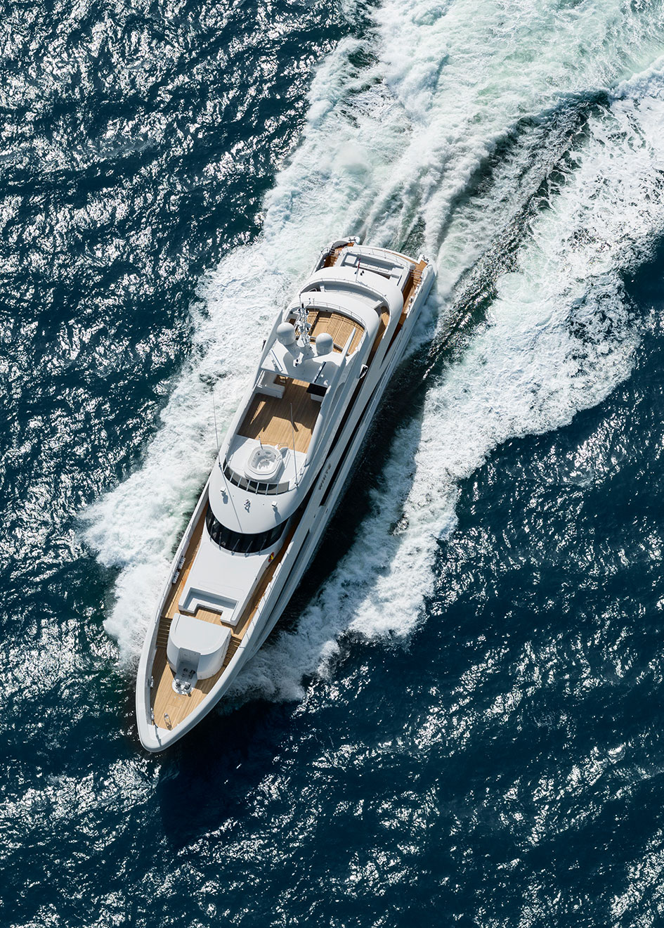 aerial-view-of-the-heesen-super-yacht-white-credit-dick-holthuis