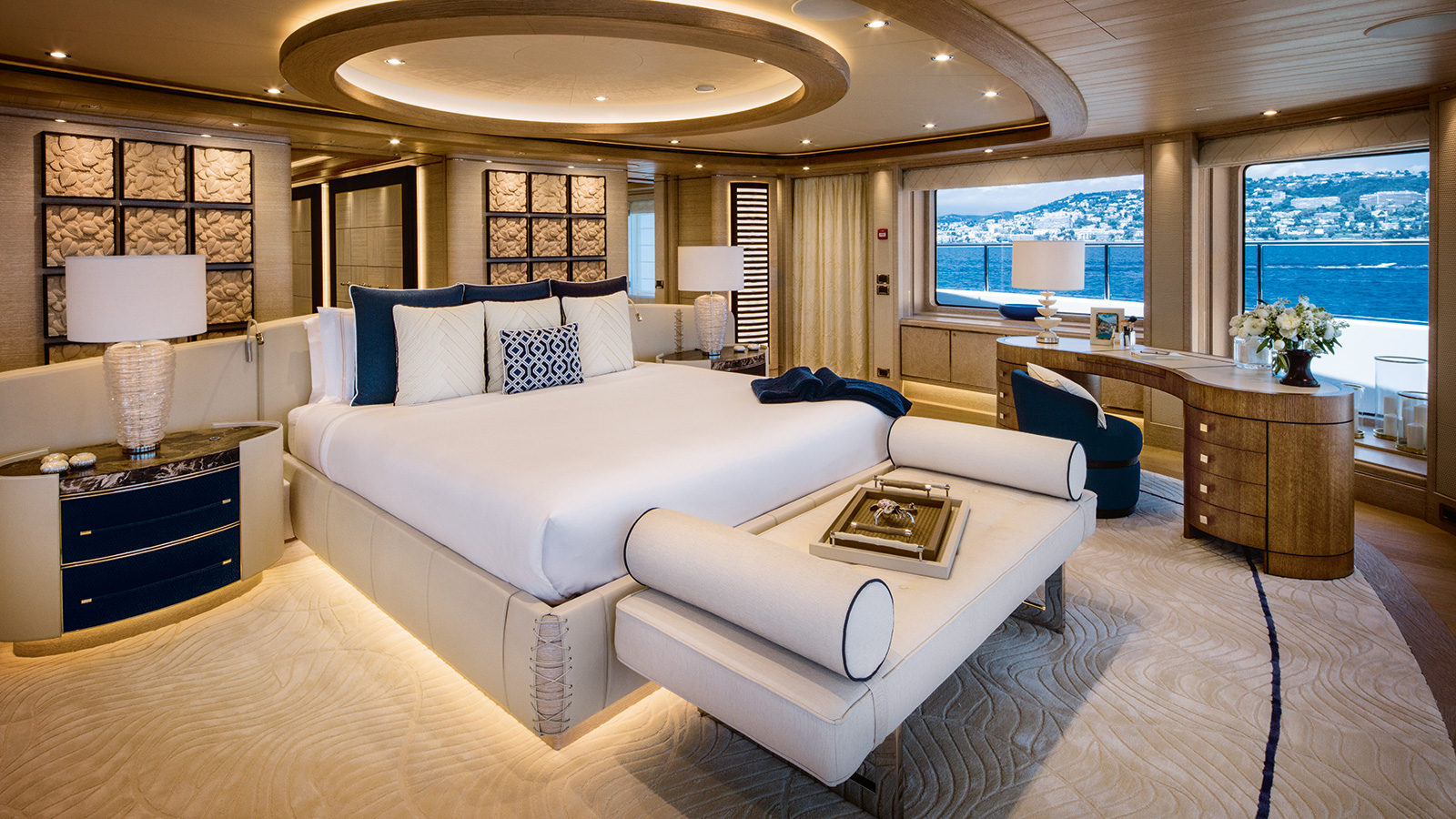 the-master-cabin-of-the-crn-superyacht-cloud-9-credit-maurizio-paradisi