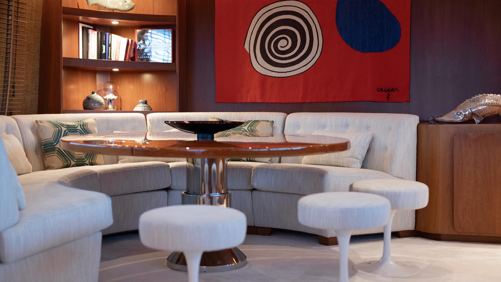 carlo-riva-classic-motor-yacht-vespucci-saloon-dining