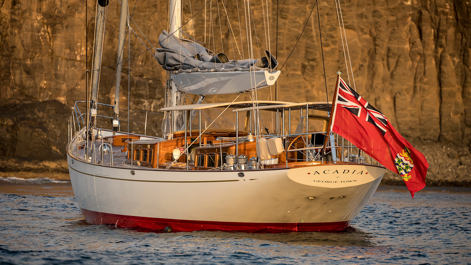 the-transom-of-claasen-truly-classic-90-sailing-yacht-acadia