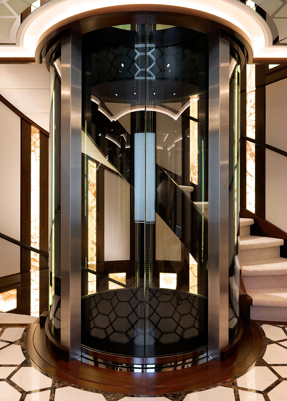 the-elevator-on-hakvoort-super-yacht-just-js