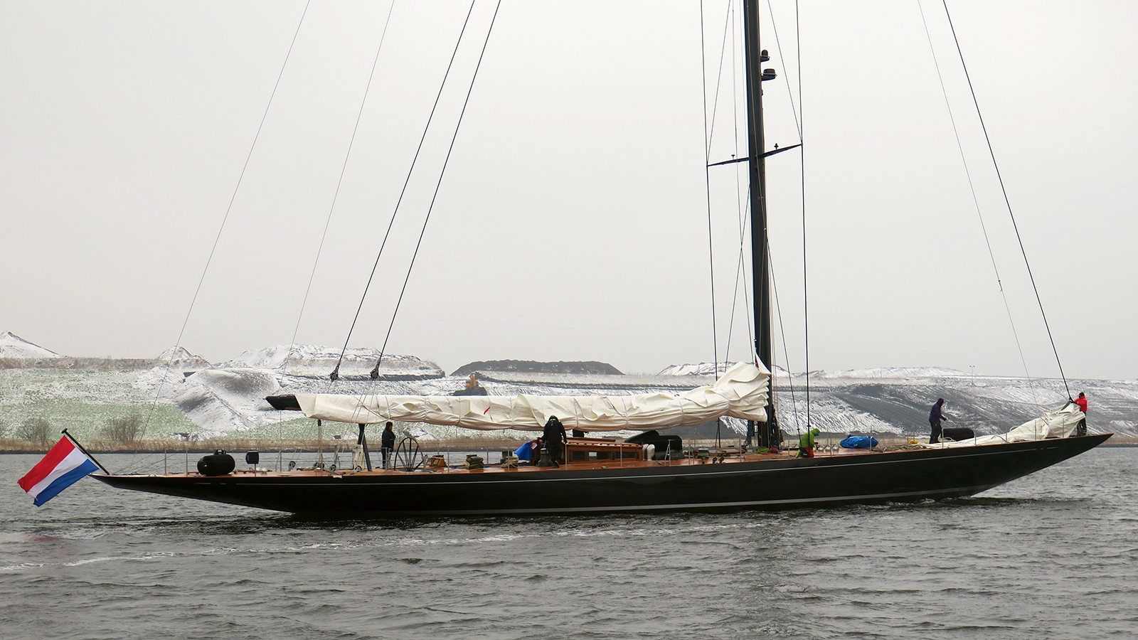 svea-is-the-new-j-class-yacht-from-vitters