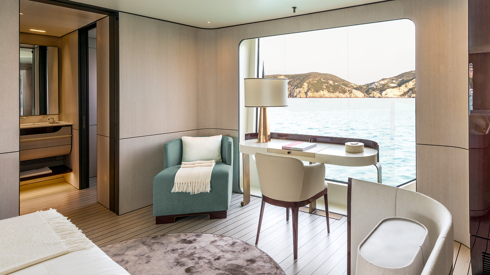 the-owners-cabin-on-the-azimut-grande-35-metri-yacht