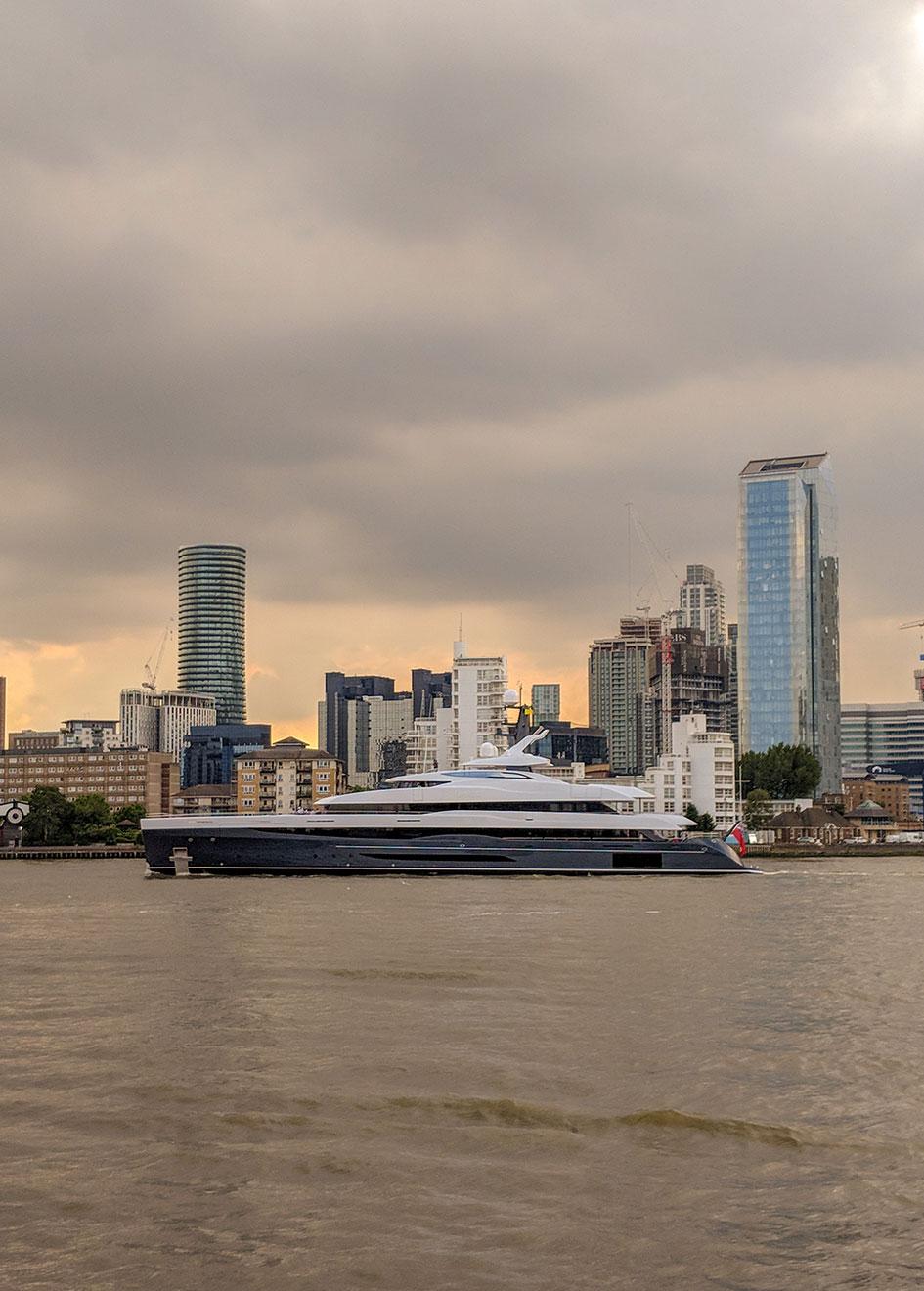 Abeking-Rasmussen-Yacht-Elandess--Vertical