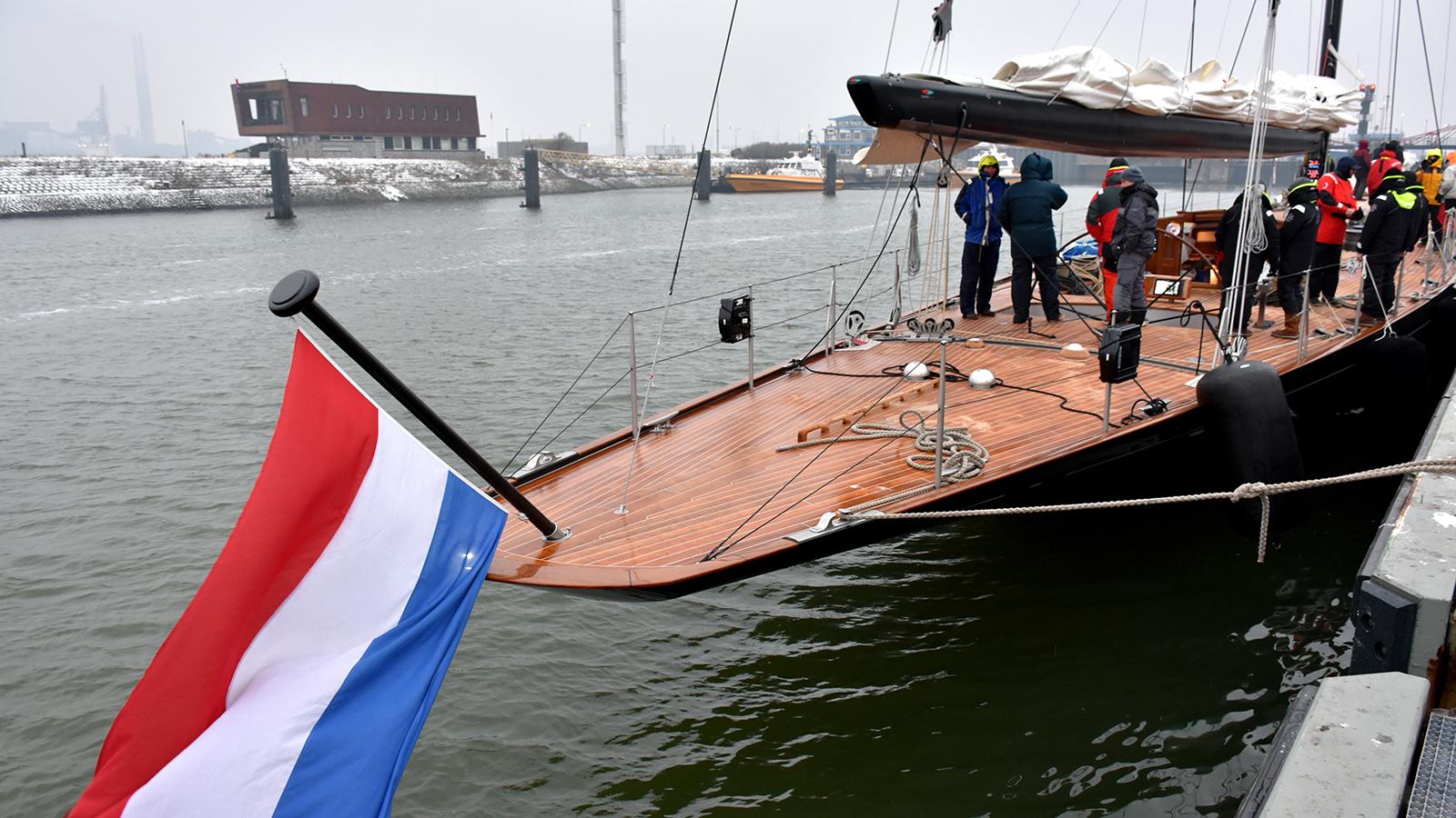 the-transom-of-the-j-class-yacht-svea