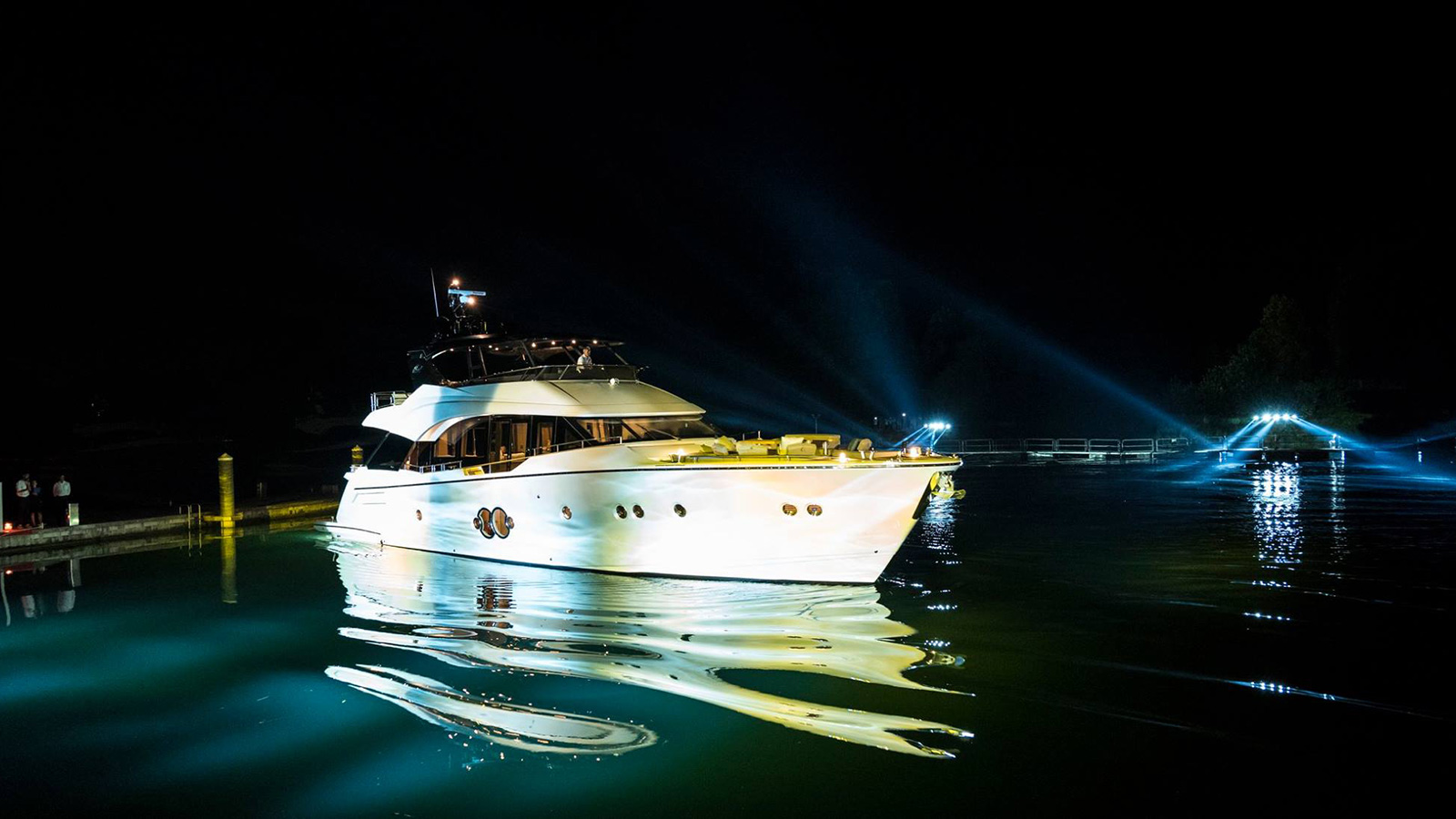 the-starboard-aspect-of-the-first-monte-carlo-yachts-80