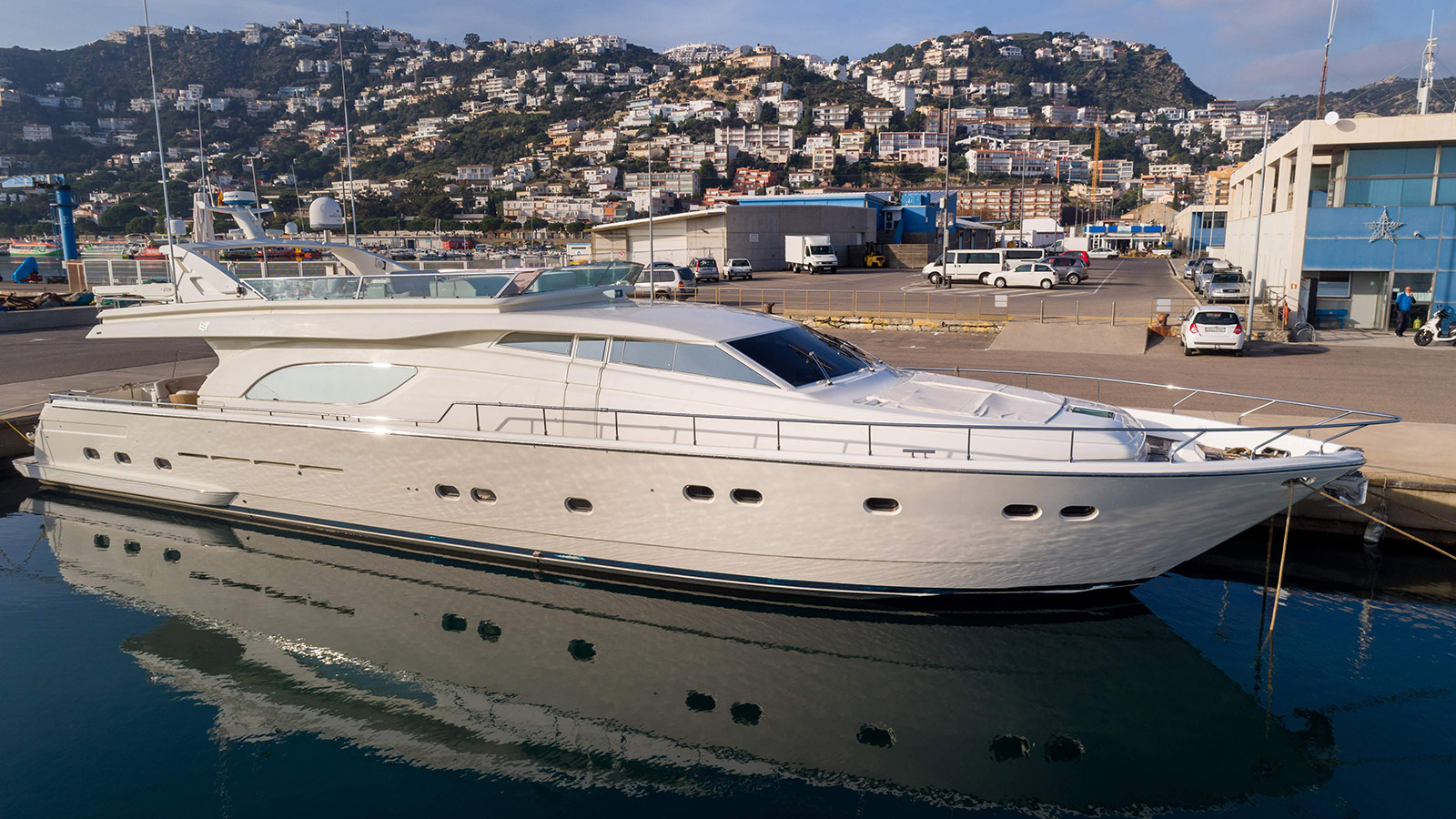 Happy Hour - yacht for sale