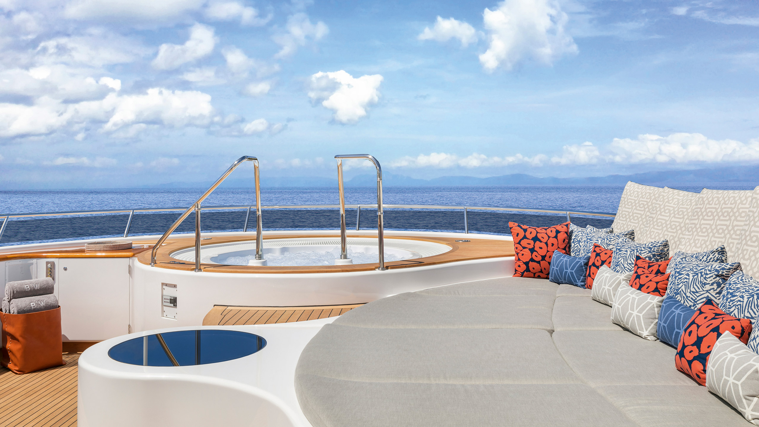 the-sundeck-of-the-feadship-superyacht-broadwater-after-her-lauderdale-marine-center-refit-credit-uneek