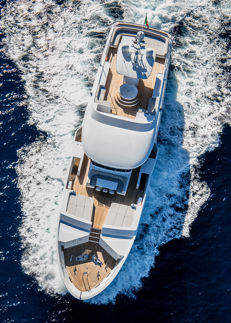 aerial-view-of-the-otam-sd-35-super-yacht-gipsy
