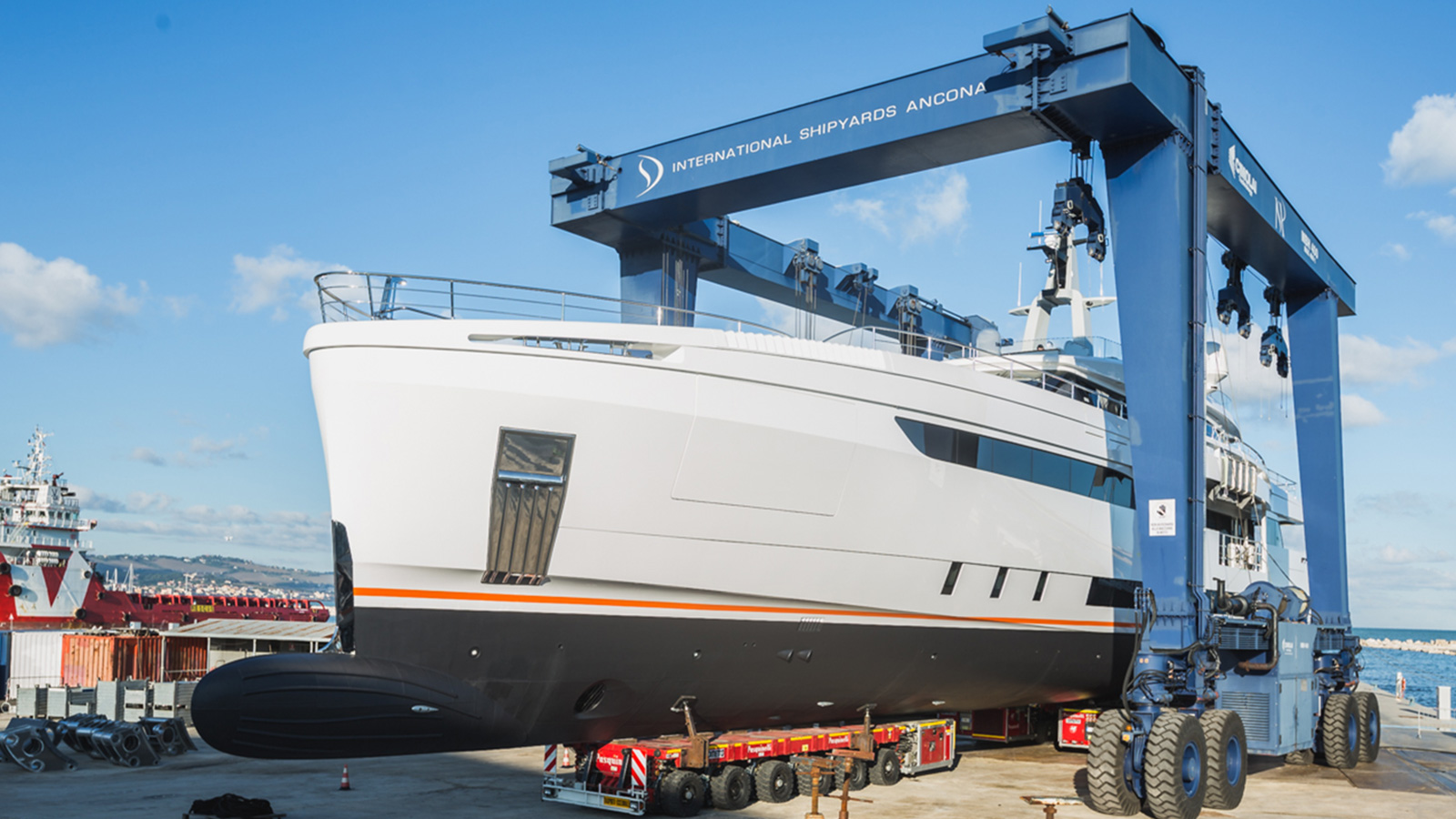 Wider 150 Yacht launching