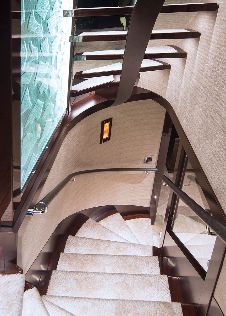 the-staircase-of-the-westport-125-yacht-black-gold