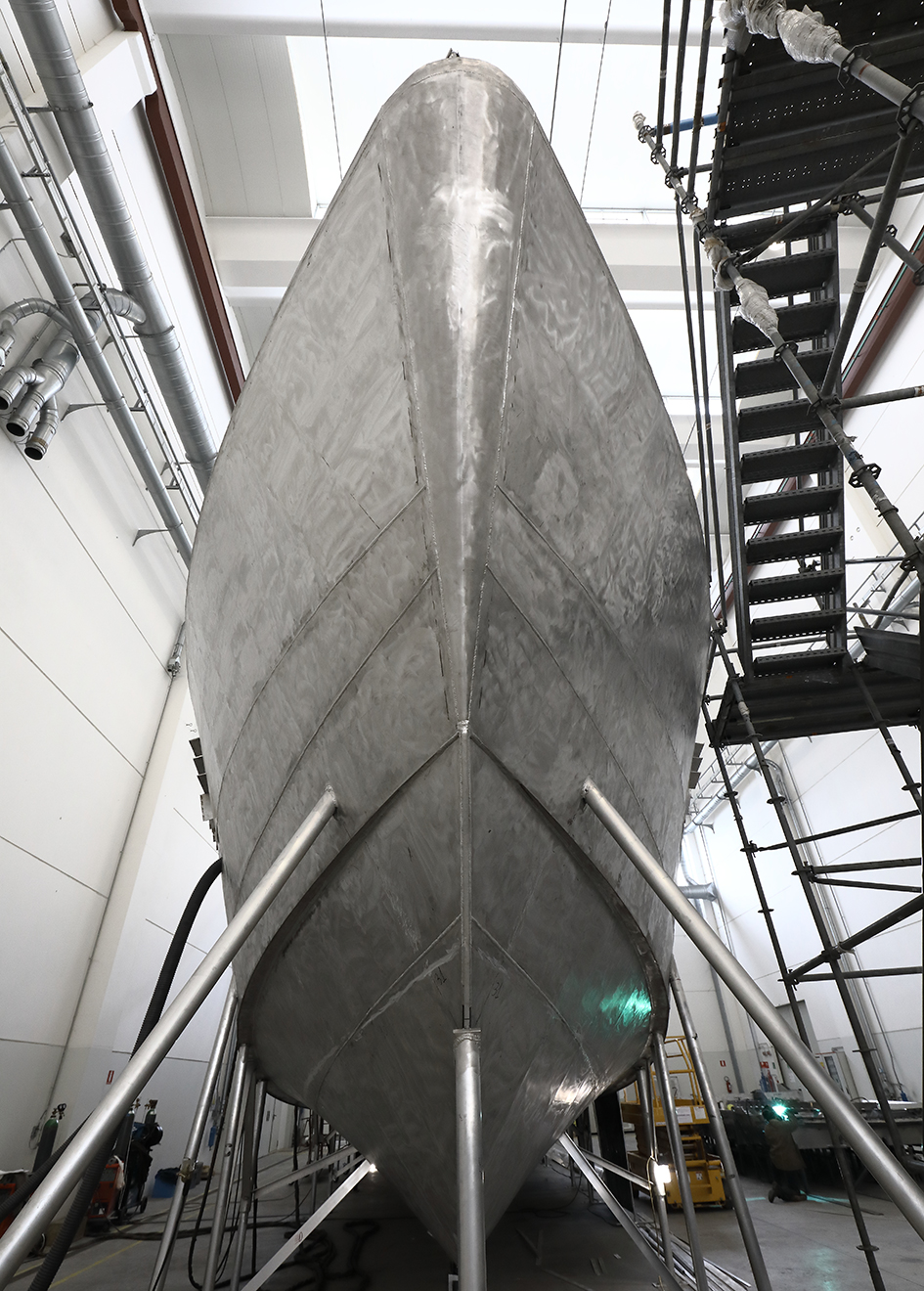 bow-view-of-the-perini-navi-eco-tender
