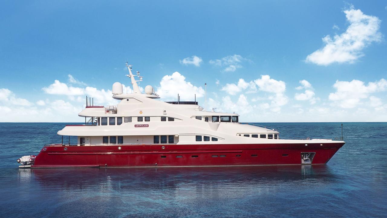 €800,000 price drop on Liman motor yacht Artpolars