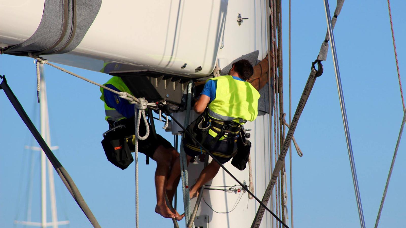 men-at-work-on-the-56m-perini-navi-sailing-super-yacht-bayesian